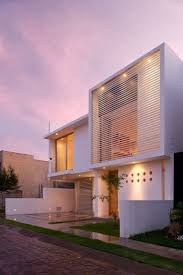 Evening view purple sky Architectural Minimalism and Geometric Layouts:  Seth Navarrete House - Mexico