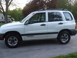 2001 Chevrolet Tracker Specs and Photos | StrongAuto