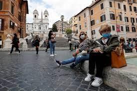 مع عودة ارتفاع الإصابات.. إيطاليا تعتزم فرض قيود جديدة للحد من كورونا