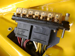 help wanted mk2 escort fusebox wiring (pic inside) Fuse Box Wiring Escort 2003 the 2 wiring blocks go,theres a ford badge on each and i would have thought they would have been facing the same way? any help would be great cheers Fuse Box Wiring with Breaker