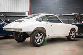 Restoration Design Porsche Parts 1972 Porsche 911 2 4 T Bodyshell Restoration