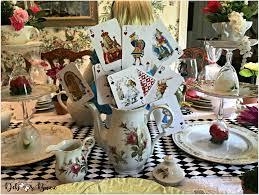 diy alice in wonderland cards and teapot centerpiece