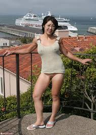 Asian MILF pussy flash Picture of the Day NickScipio