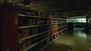 This movie was produced in 1974 by mark robson director with charlton heston, ava earthquake (1974). Being Inside A Grocery Store During An Earthquake Is Like Being In A Horror Movie