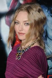 amanda seyfried toned down her look with rous lipstick a slightly flushed cheek finished