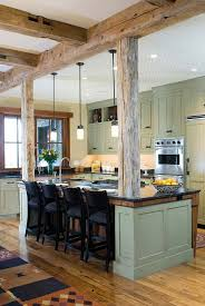 RAW WOODEN STRUCTURE DEFINING A SPLENDID KITCHEN