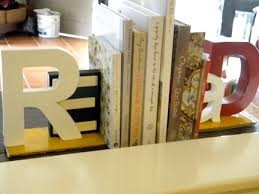letterbookends DIY Bookends Create Fun and Cheap Bookends!