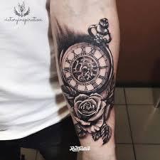 фото часы татуировка
