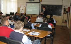 FOTO VIDEO Şcoala de la ţară care dă lecţii României. Elevii din Mihai Viteazu învaţă ca-n Occident, cu table interactive şi calculatoare ultramoderne