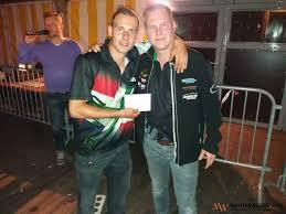 Danny Holt en Wesley Lap winnen koppeldartstoernooi - Menterwolde.info