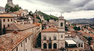 It is positioned in the northern and eastern hemispheres of the earth. Idealtours Rimini Und San Marino