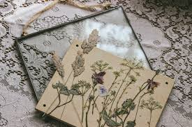 how to make pressed wild flowers in glass frame