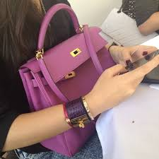 hermes kelly 28 pink. pink-ish hermes kelly bag, and i spot a 28 pink