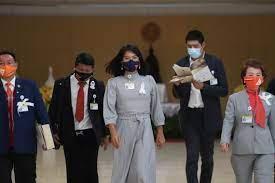ส.ส.พรรคก้าวไกล ติดริบบิ้นสีขาวเรียกร้องกรณี'วันเฉลิม'เข้าประชุมสภา สยามรัฐ
