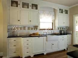 White Shaker Style Kitchens This Quaint Cottage Kitchen Features Antique White Shaker Cabinets