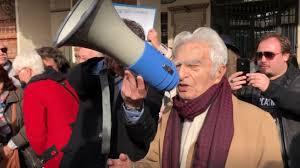 """Più di 150 giornalisti sotto la prefettura, il partigiano Bruno Segre: """"La  libertà è sacra e lo sancisce la Costituzione"""" - Video - Quotidiano  Piemontese"""