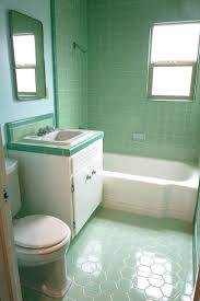 The color green in kitchen and bathroom sinks, tubs and toilets - from 1928  to 1962