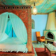 Gentle Sleep With The Best Canopy Bed Curtain – Fresh Design Pedia
