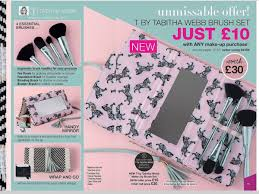 mice benton on twitter tabitha webb brush set gorgeous tabithawebb brushset makeup beauty avon unmissable offer newmakeup