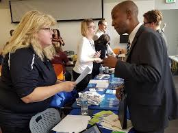 what to do at career fair 6 things to do or not do at career fairs empowering michigan
