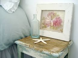 weathered furniture is perfect for beach themed bedrooms of course adding sea stars works too ocean u58 ocean