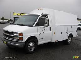 2001 Summit White Chevrolet Express Cutaway 3500 Commercial ...