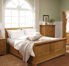 Solid Wooden Bedroom Furniture Oak Bedroom Sets For Family And Comfy Look