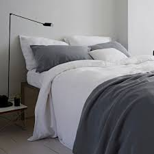 you don t have to use linen sheets to achieve this look mixing and matching colour and patterns can be done with a variety of bed linens to give that