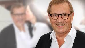 Zuletzt wurde er vor gut einem jahr vater. Let S Dance Star Jan Hofer Keine Lust Auf Die Tv Rente Von Der Tagesschau Aufs Tanzparkett Bunte De
