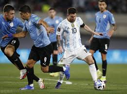 Messi picks a pass and assists Argentina 3:0 to Uruguay. Will there be a  scene for Argentina next year's World Cup? - MINNEWS