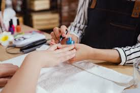 tips and toes salon
