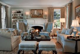 old fashioned cozy traditional living room