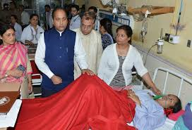 Shimla Himachal Cm Meets The Victims Of Shimla Bus Accident