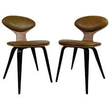 Pair of Mid-Century Modern Bentwood Chairs in the Style of Norman ...