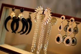 colette accessories diva accessories earrings how to style chandelier earrings crystals