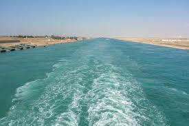 """Das containerschiff """"mv ever given hat sich im suezkanal quer gelegt. Suezkanal Per Kreuzfahrtschiff Durch Die Agyptische Wuste"""
