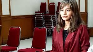She won a best actress award in festival film bandung for her role in the hit television series azizah (2007). Kirana Larasati Berhak Terima Nafkah Dari Mantan Suami Untuk Anaknya Tribunnews Com Mobile