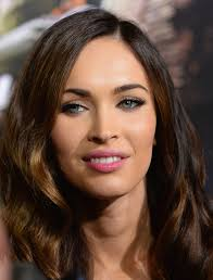 megan fox swiped on some pink lipstick for a fresh and sweet beauty look during the