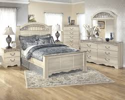 Catalina 5 Pc. Bedroom - Dresser, Mirror & Queen Poster Bed | B196 ...