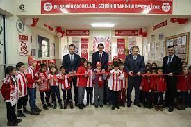Sivas Valiliği - Vali Bekir Aksoy İlkokulunda oluşturulan...   F