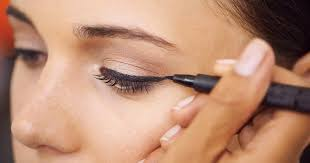 how to apply eyeliner when you wear gles
