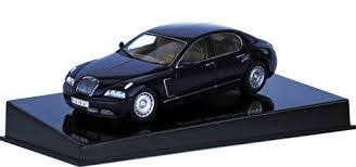 It is a limousine in the vein of the legendary 1926 bugatti royale with a 3 meter (118 in) wheelbase and is 212 in (5385 mm) long. Autoart 1 43 1999 Bugatti Eb 218 Genf Blue Ebay