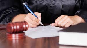 juges créateurs de droit, gouvernement des juges