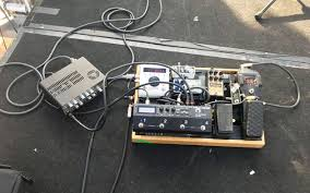 paul jackson jr s gig rig ilrates how reamplification and reactive load technology let him replace a heavy amp head bulky 16 space rack