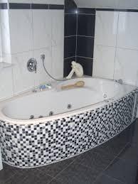 Badezimmer Grau Weiss Mosaik Drewkasunic Designs