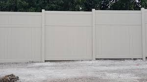 Vinyl privacy fence colors Old Vinyl Our Vinyl Privacy Fence Designs Offer Benefits That Other Types Of Fencing Simply Cannot Compete With Fence Supply Online Vinyl Privacy Fencing Affordable Commercial Quality Grade Fence