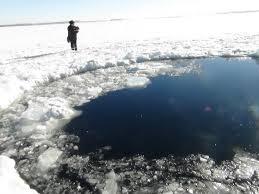 Video By The Lake Video Chunk Of Chelyabinsk Meteorite Hitting Frozen Lake