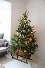 14 Arboles de Navidad para estas fiestas Triunfars! Sled Christmas DecorChristmas  Tree ...