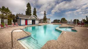 best western harbour pointe lakefront outdoor swimming pool