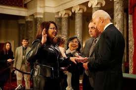 She lost both legs, and her right arm was … Service Has Shaped Sen Tammy Duckworth Is Her Next Post In The White House Abc News